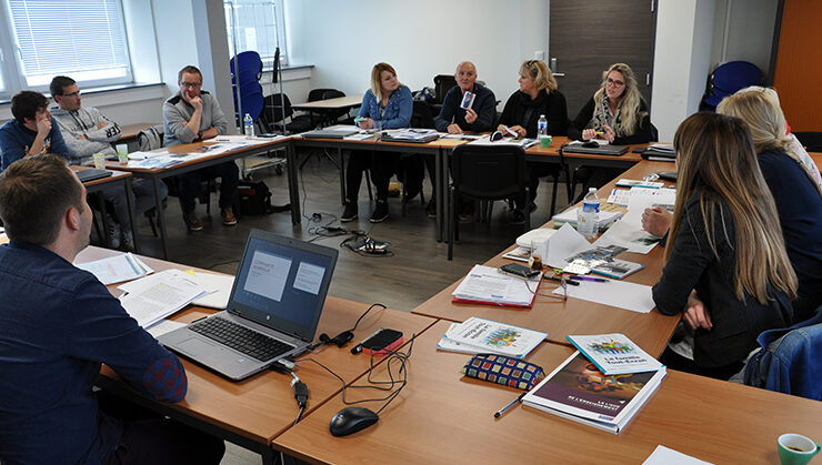 Formation «citoyenneté numérique» à destination des acteurs éducatifs de la Communauté d'agglomération Béthune Bruay Artois Lys Romane